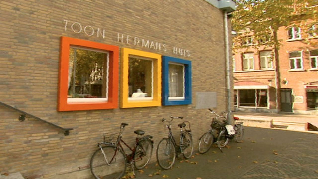 Toon Hermans Huis verkoopt tijdelijk kunst in Klaasstraat