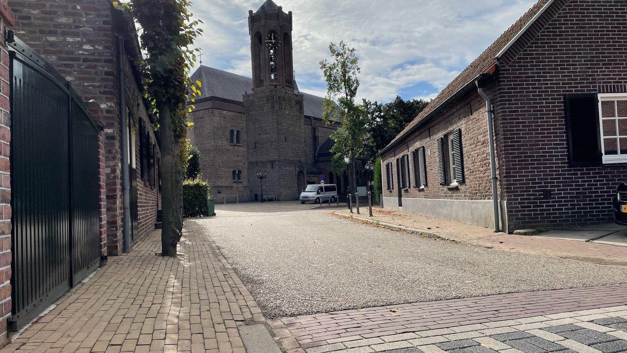 Kerk Hout-Blerick in de verkoop