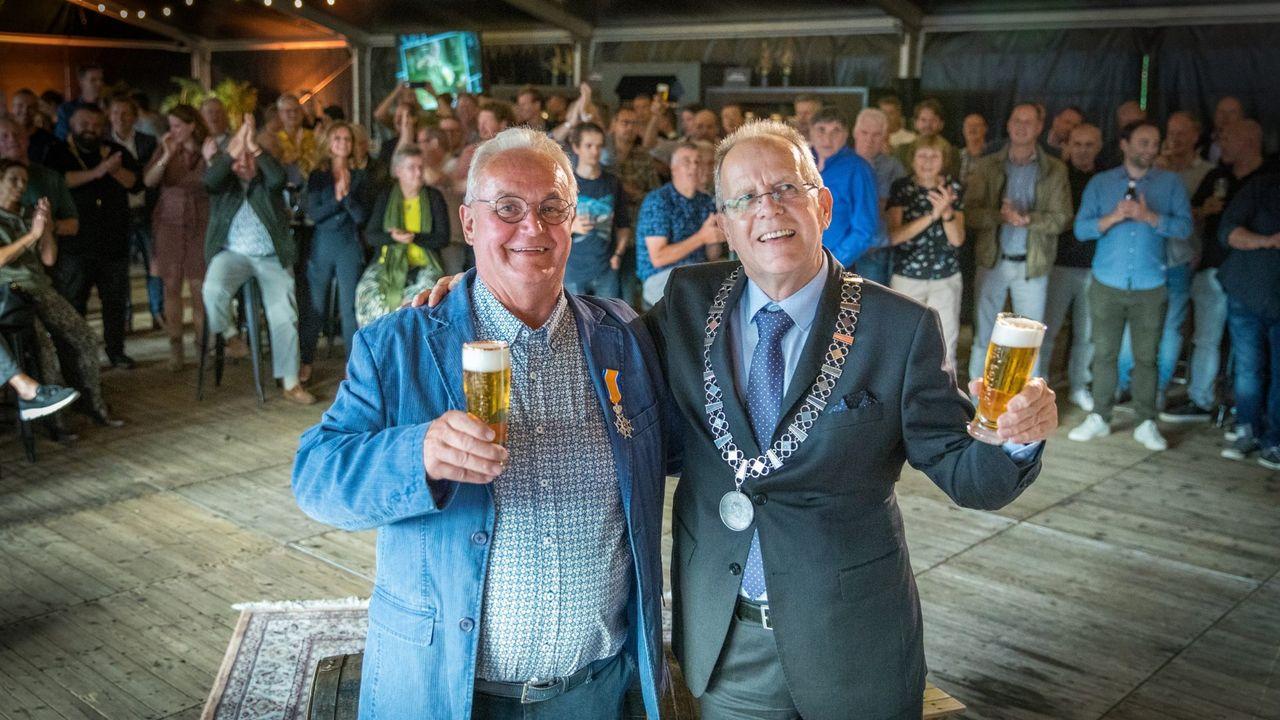 Meesterbrouwer Arcen geridderd voor bijdrage aan biercultuur