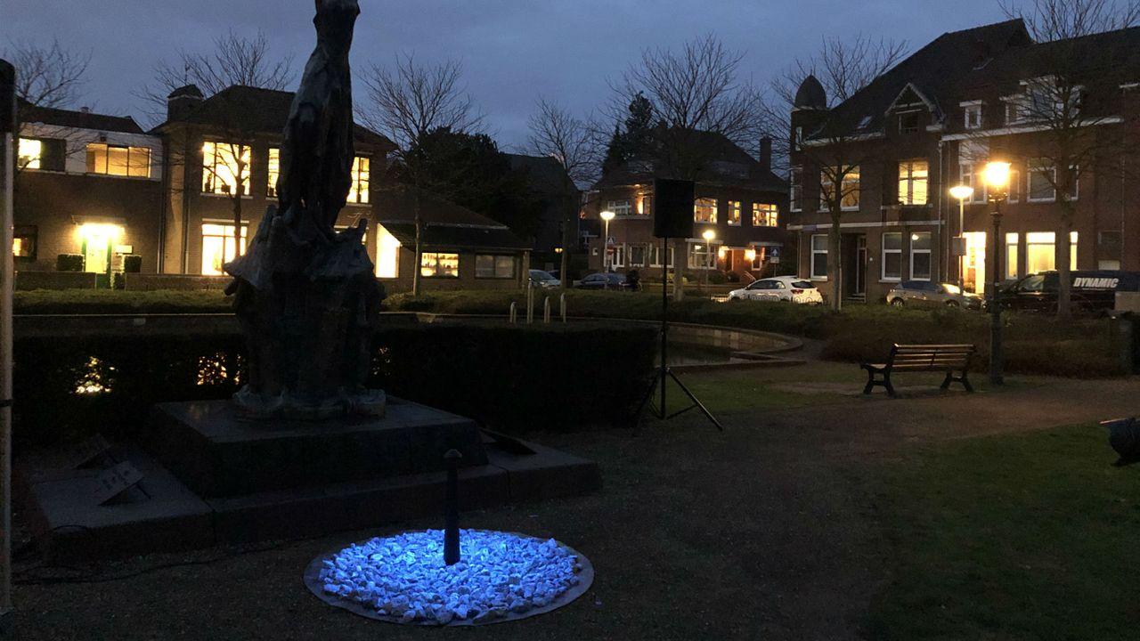 Holocaustmonument straalt nu ook in Venlo