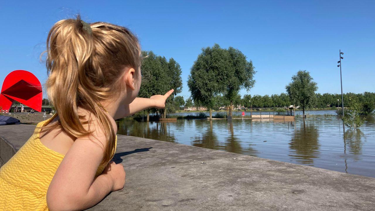 LIVEBLOG | Inwoners Venlo mogen weer naar huis, waterpeil blijft dalen