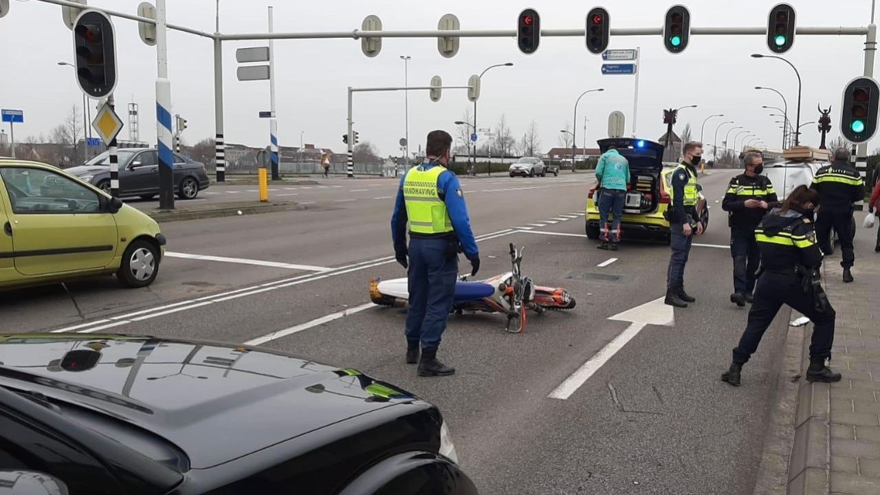 Motorrijder gewond bij ongeval Eindhovenseweg