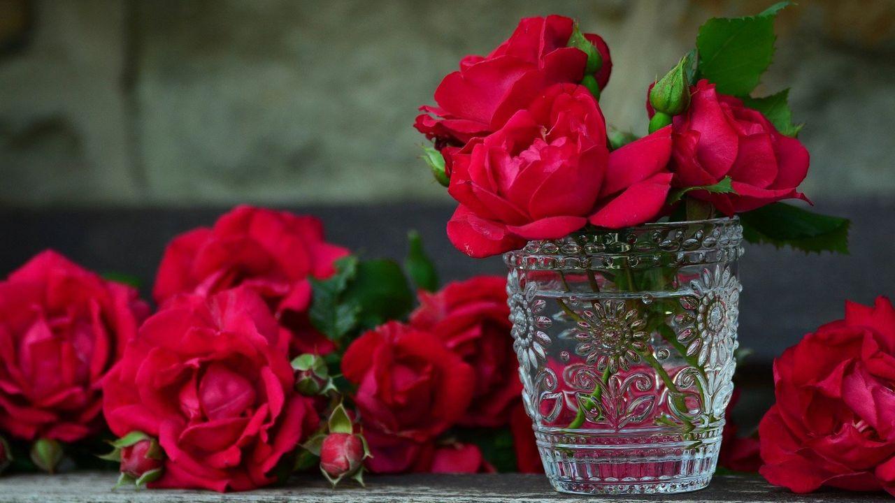 Bos rozen als bedankje of hart onder de riem
