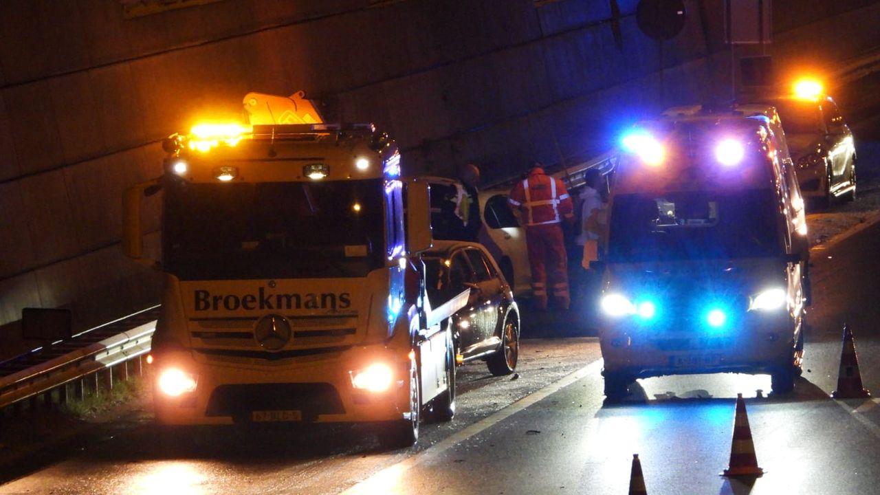 Bestuurder gewond bij eenzijdig ongeval A73