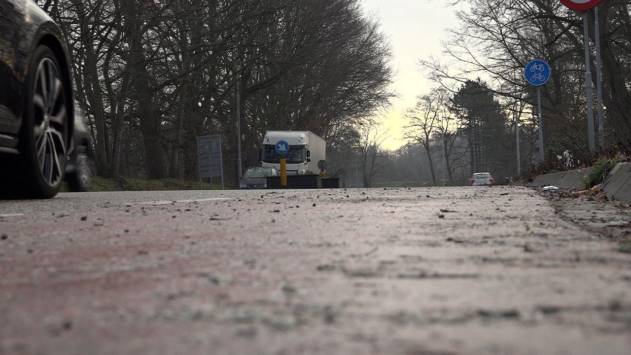 Raadsleden willen aanpak van scheurende auto's en rondhangende vrachtwagenchauffeurs