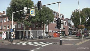 Is dit verkeerslicht in het centrum van Blerick overbodig?