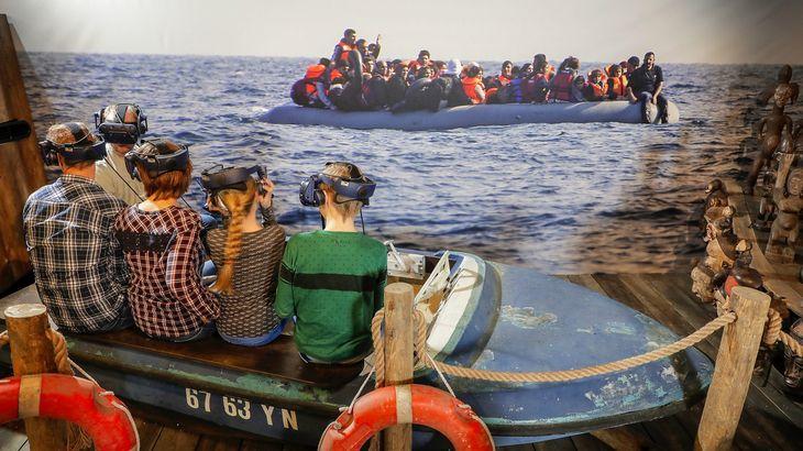 bootvluchtelingen wereldpaviljoen.jpg
